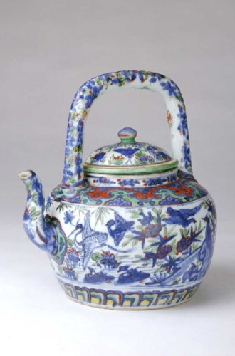 Polychrome teapot with loop-handle, Palace Museum, Beijing