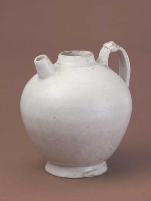 Xing ware, ewer with white glaze, Palace Museum, Beijing