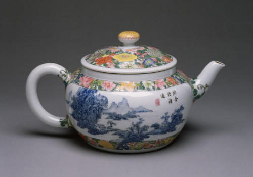 Enameled teapot, Walters Art Museum, Baltimore, USA