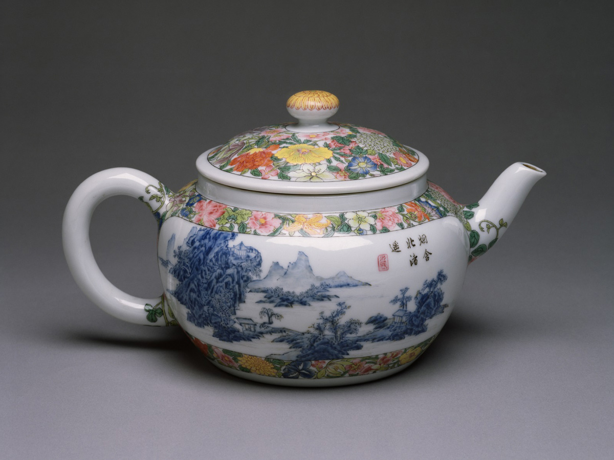 Qing: Enameled Teapot with Blue Landscape
