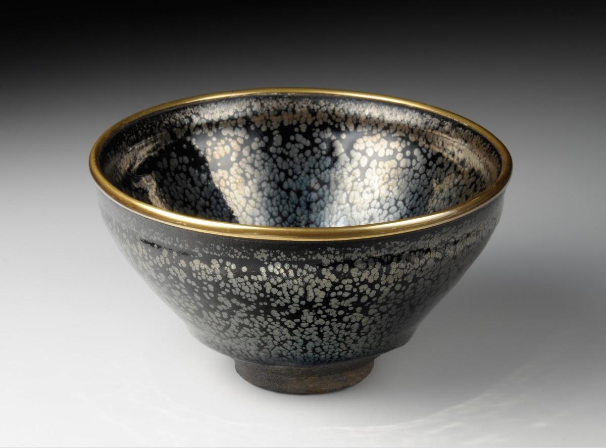 song_jian_tea-bowl-with-oil-drop-glaze