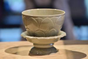 wudai_celadon-cup-with-lotus-design