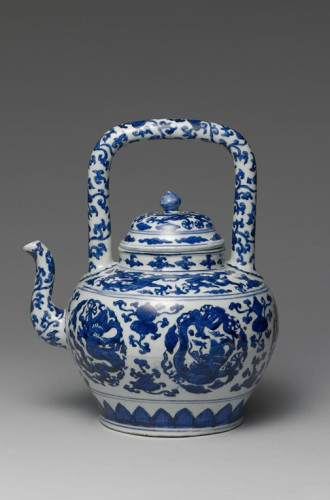 Blue-and-white teapot with loop-handle, National Palace Museum, Taipei