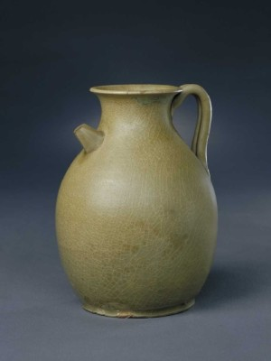 Yue ware, ewer with celadon glaze, Palace Museum, Beijing