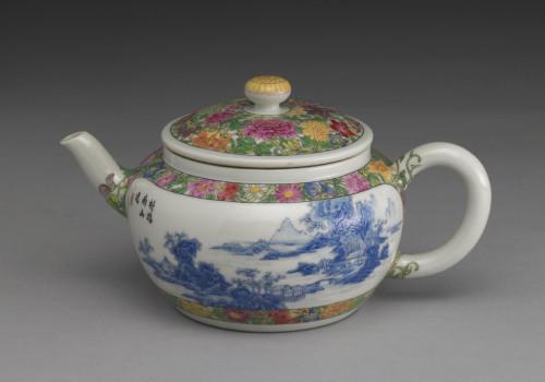 Enameled teapot, National Palace Museum, Taipei