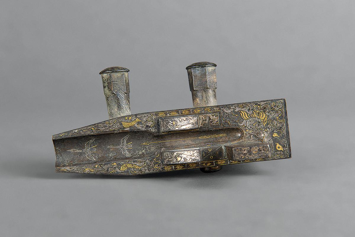Crossbow trigger mechanism. Bronze with inlays of gold and silver. Daqingdun site, Siyang, Jiangsu. Nanjing Museum.