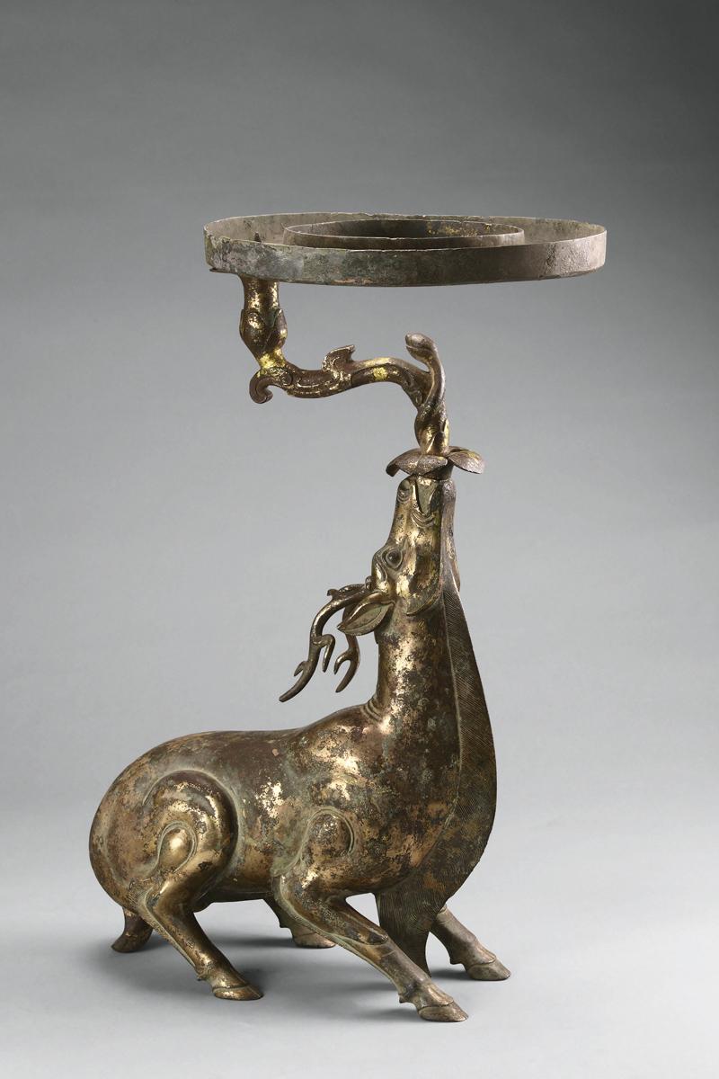 Lamp in the shape of a deer. Bronze. Tomb 1, Dayun Mountain, Xuyi, Jiangsu. Nanjing Museum.
