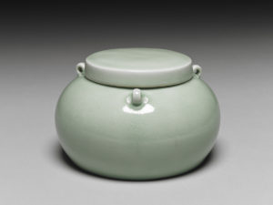 ming_yongle_lidded-jar-with-three-knots